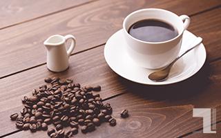 美味しそうなコーヒーとコーヒー豆とミルク