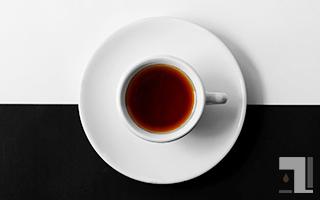 黒と白の紅茶